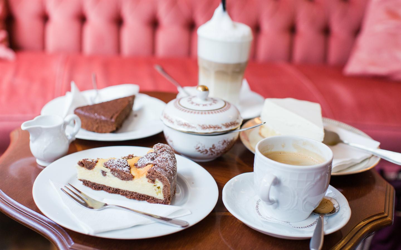 caf s in mannheim fr hst ck kaffee kuchen g. Black Bedroom Furniture Sets. Home Design Ideas