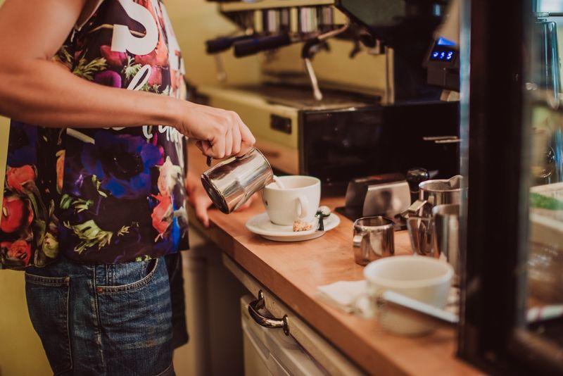 Caf s in mannheim fr hst ck kaffee kuchen g for Kuchen in mannheim